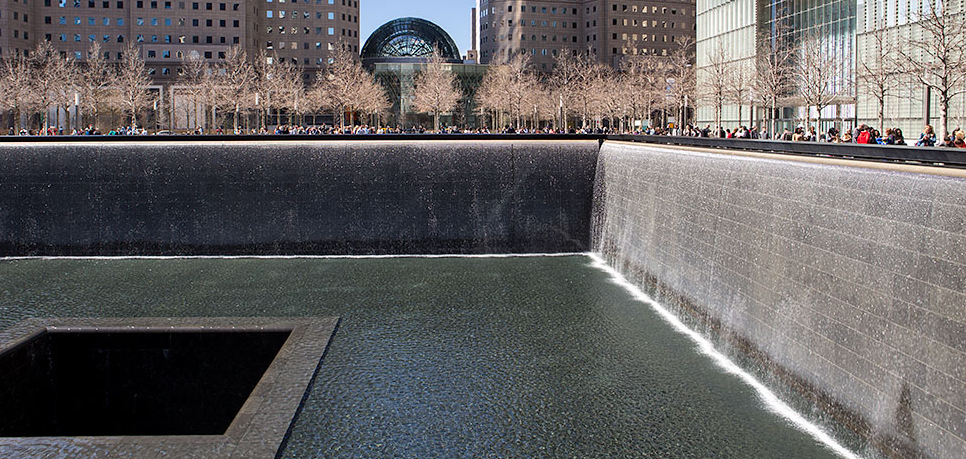memorial del 11s en el world trade center